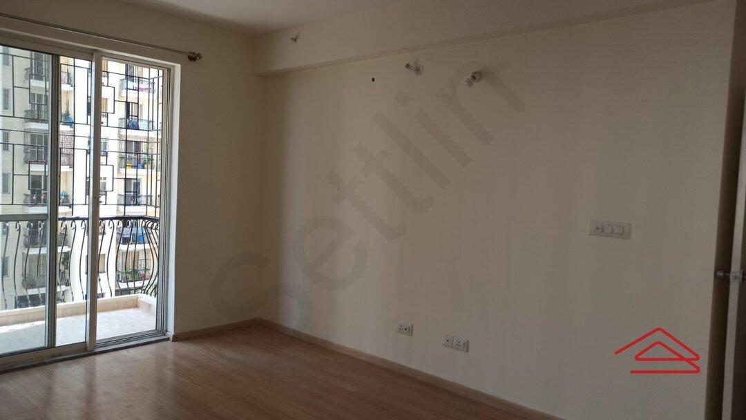 15F2U00185: Bedroom 1