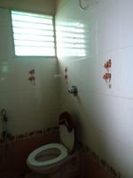 12S9U00188: Bathroom 1