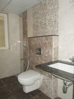 13J6U00070: Bathroom 2