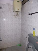 12A8U00094: Bathroom 2