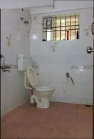 14A4U00075: Bathroom 2