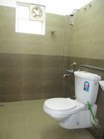 14A8U00034: Bathroom 2