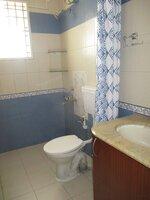 15J1U00252: Bathroom 1