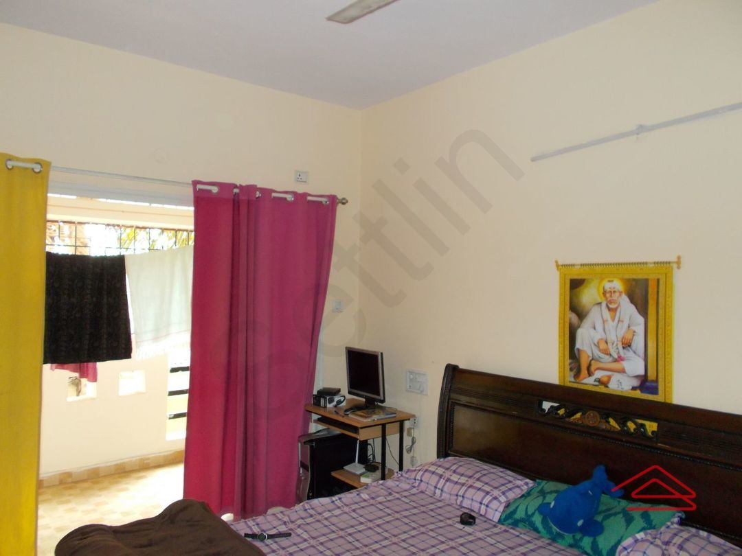 13J1U00219: Bedroom 1