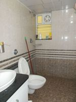 13J7U00039: Bathroom 2