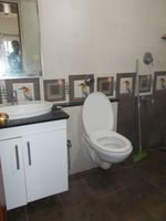 13J7U00039: Bathroom 1