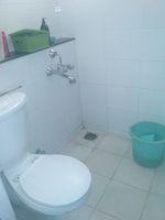 13M5U00209: Bathroom 2