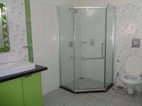 #657: Bathroom 1