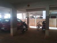 13J7U00164: parking 1