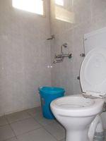 12A4U00101: Bathroom 3