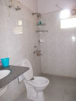 12A4U00101: Bathroom 2