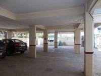 12A4U00101: parking 1