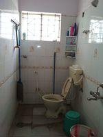 11S9U00417: Bathroom 2