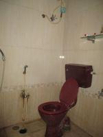 12NBU00023: Bathroom 1