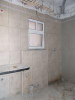 13M5U00037: Bathroom 1