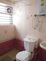 13OAU00076: Bathroom 1