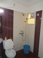 12DCU00198: Bathroom 2