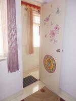 13F2U00427: Servant Room 1