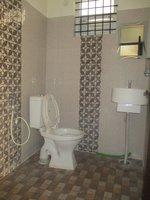 14J1U00261: Bathroom 3