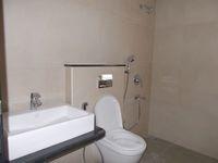 12J7U00055: Bathroom 2