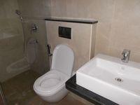 12J7U00055: Bathroom 1