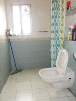12J6U00398: Bathroom 2