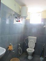 13J6U00361: Bathroom 2
