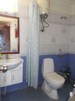 13J1U00243: Bathroom 1
