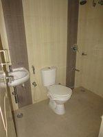 14J1U00418: Bathroom 1