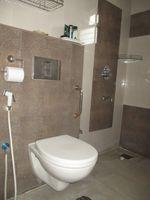 13J1U00071: Bathroom 2