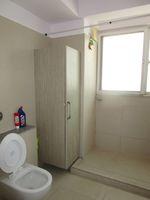 13J6U00138: Bathroom 3