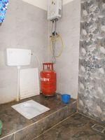 13F2U00035: Bathroom 2