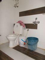13F2U00035: Bathroom 1
