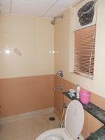 12F2U00129: Bathroom 2