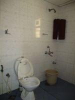 12DCU00131: Bathroom 1