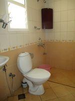 12DCU00131: Bathroom 2