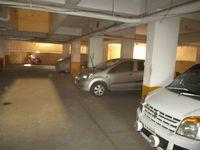 13J1U00196: parking 1