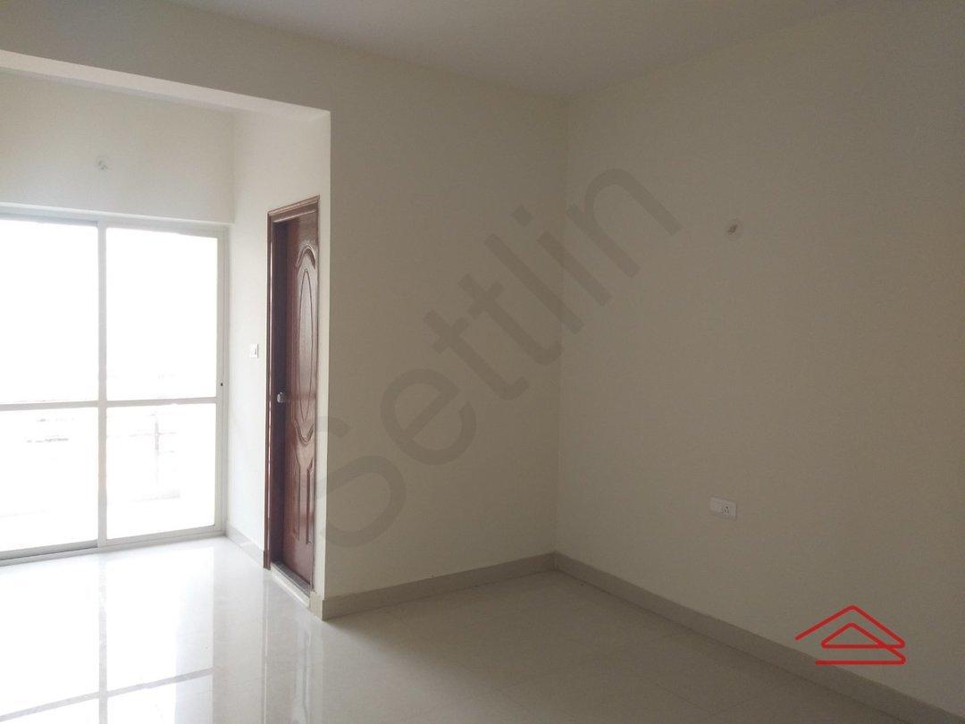 13NBU00015: Bedroom 1