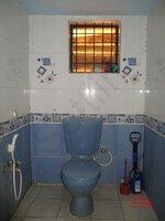 15F2U00205: Bathroom 2