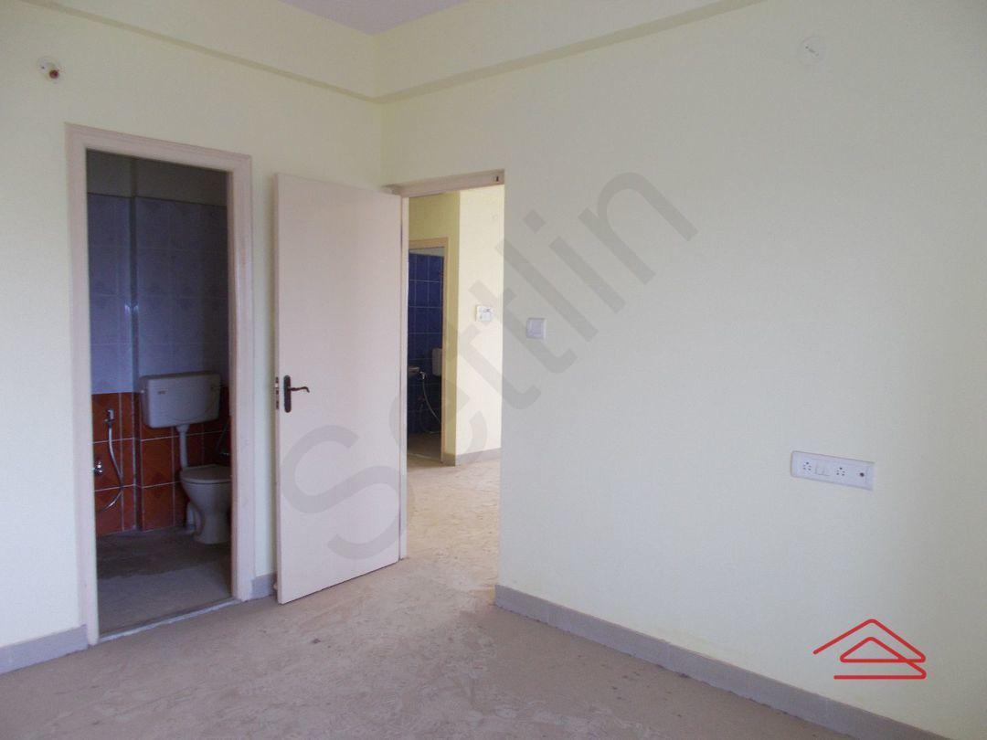 12M3U00096: Bedroom 1