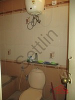 10DCU00408: Bathroom 1
