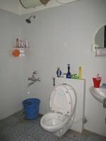 11J6U00017: Bathroom 1