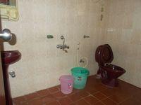 12J6U00280: Bathroom 1
