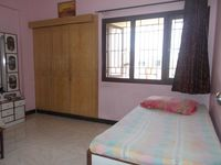 12J6U00280: Bedroom 3