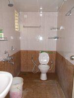 13F2U00129: Bathroom 1