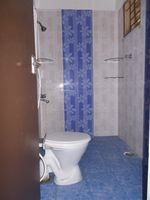 10M5U00142: Bathroom 2