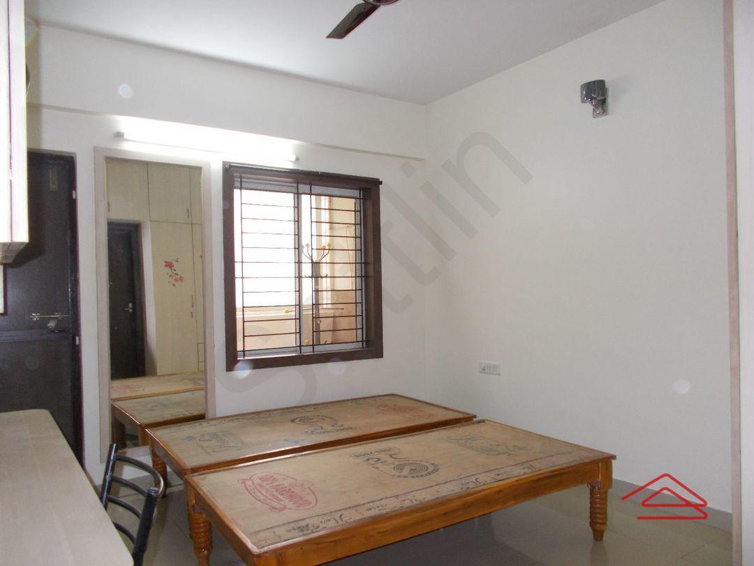 10M5U00142: Bedroom 1