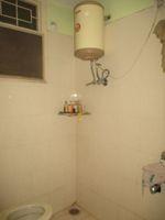 11A8U00282: Bathroom 1