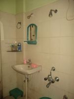 11A8U00282: Bathroom 2