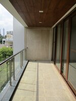 15OAU00055: Balcony 1